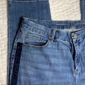 Chico's So Slimming Girlfriend Ankle Jean Sz 3T